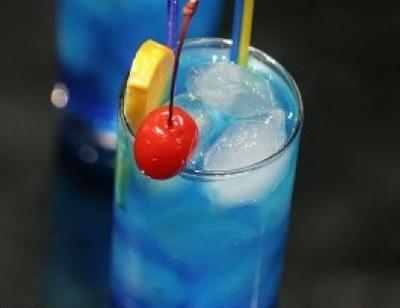 Рецепт: Коктейль Голубая лагуна.