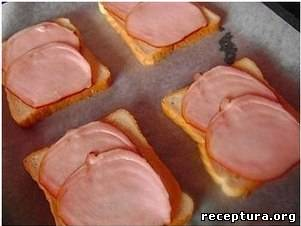 Горячие бутерброды с колбасками